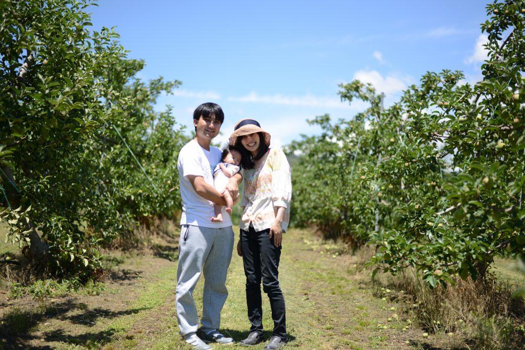 りんご畑で